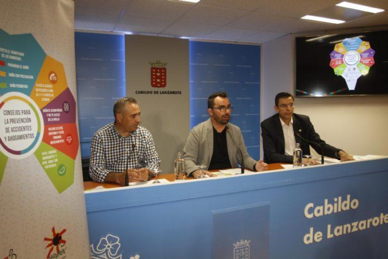 Un abanico útil, práctico y atractivo es el eje de la campaña del Consorcio de Emergencias y Turismo Lanzarote para evitar ahogamientos en la Isla