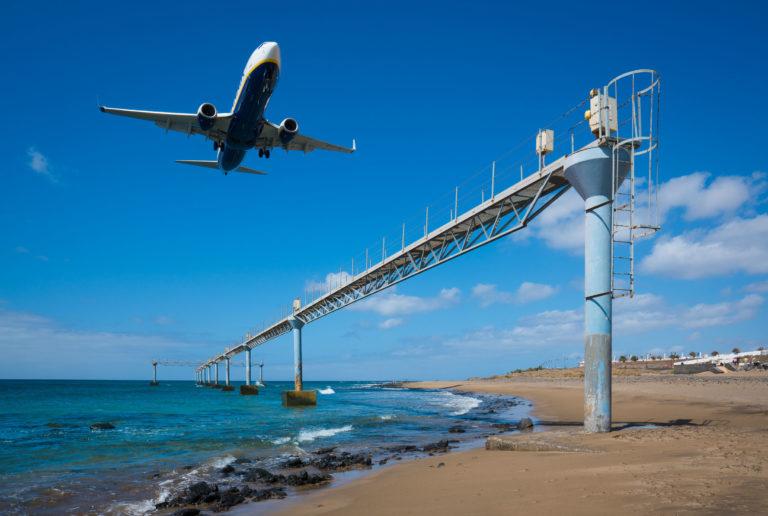 Turismo Lanzarote abordará la posibilidad de recuperar el vuelo nocturno entre Madrid y Lanzarote con las compañías aéreas