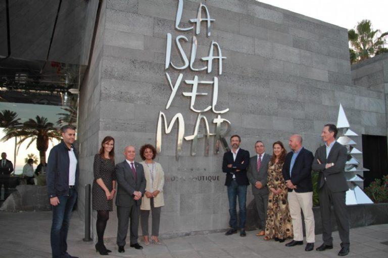 El Cabildo y Turismo Lanzarote felicitan a La Isla y el Mar Hotel Boutique por convertirse en el primer hotel de 5 estrellas de Puerto del Carmen