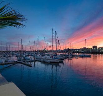 Se despide el sol en Marina Lanzarote - Arrecife.