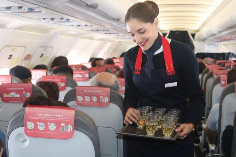 Los pasajeros de Iberia Express degustan `Saborea Lanzarote´ a bordo del vuelo Madrid – Lanzarote