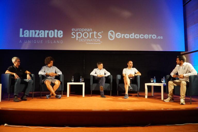El ciclista del Movistar Team, Lluís Mas, participó en la mesa redonda 'Lanzarote, destino ideal para la práctica deportiva-ciclista'