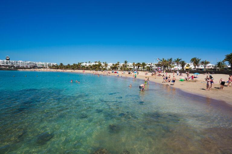 Más de 33.000 turistas han abandonado Lanzarote en los últimos siete días