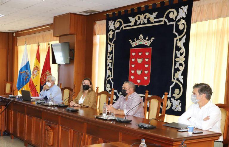 Cabildo y ayuntamientos abordan en conjunto el Plan de Sostenibilidad Turística de Lanzarote